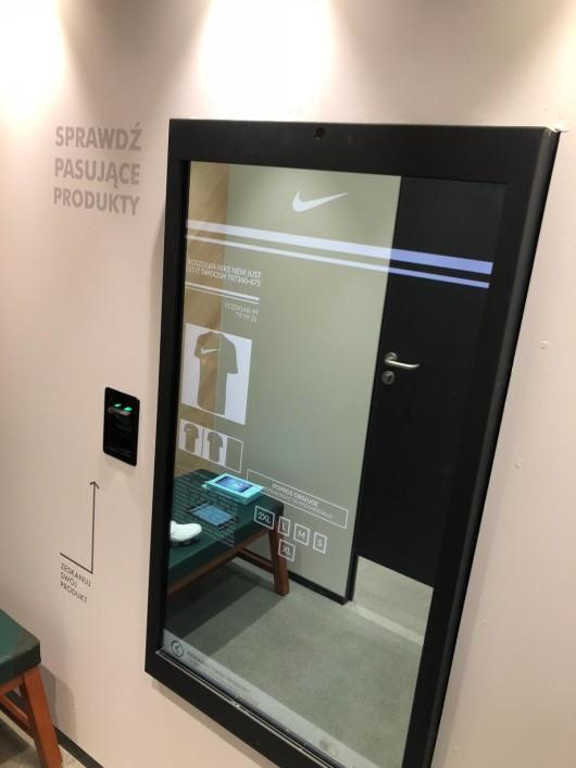 c87c096b88f7c6 Interaktywne lustra marki Abyss Glass dostępne w salonie Nike we Wrocławiu w  Galerii Wroclavia